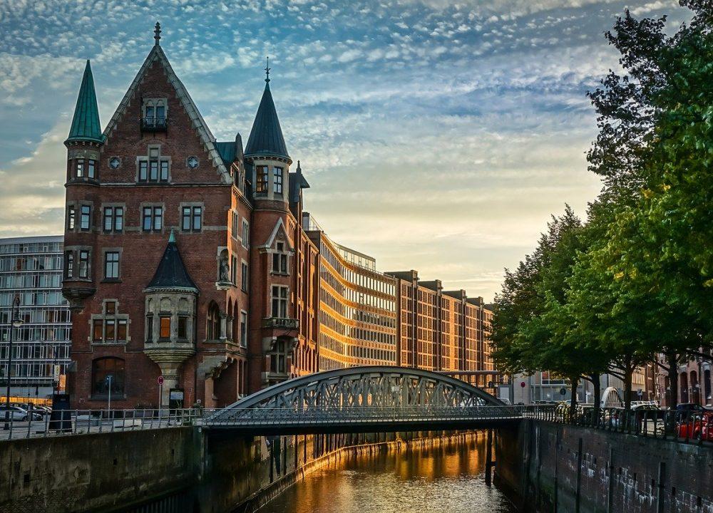 Atardeciendo en la ciudad de Hamburgo - Alemania